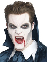 Vampire blanc crocs Gore et sang Halloween
